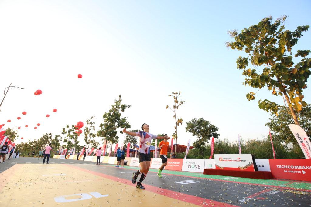 tenis mizuno liverpool 02 00 womens running track 400m